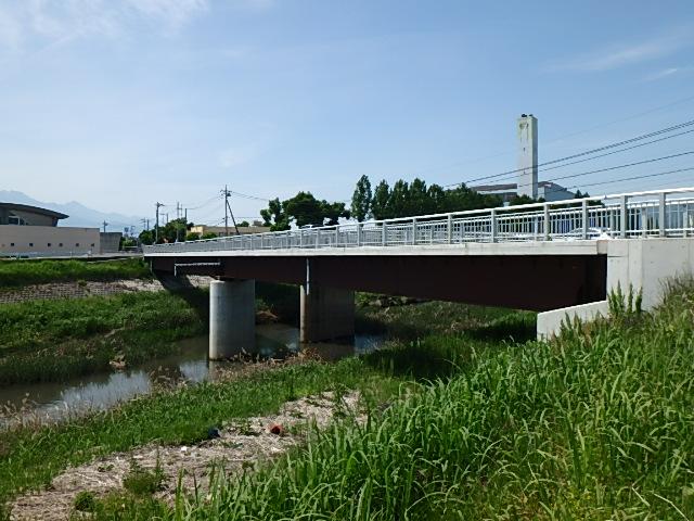 新油川歩道橋1