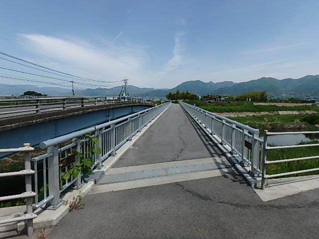 新油川歩道橋2